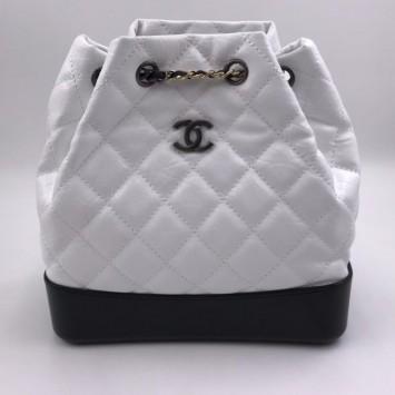 Рюкзак Gabrielle Chanel белый с черным дном