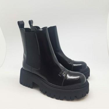 Ботинки кожаные Balenciaga