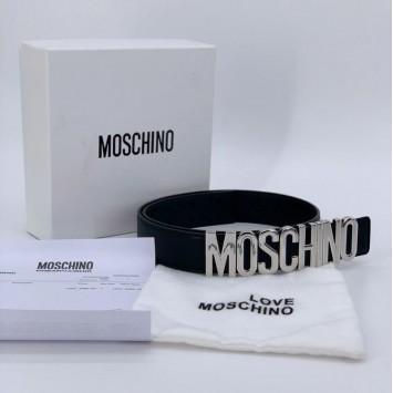 Ремень Moschino с серебристой пряжкой