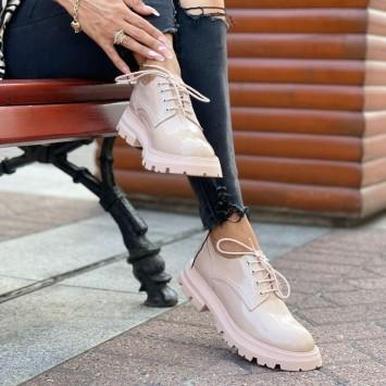 Лоферы Alexander McQueen на шнуровке розовые