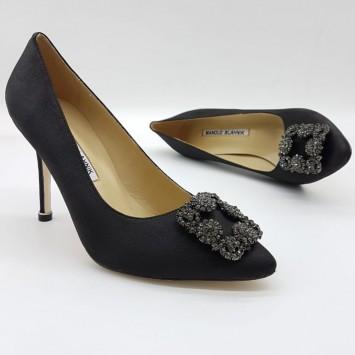 Туфли лодочки черного цвета  Manolo Blahnik туфли Hangisi 100 с пряжками