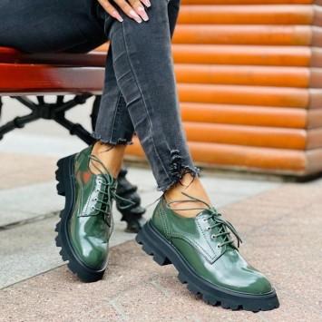 Лоферы Alexander McQueen на шнуровке зеленые