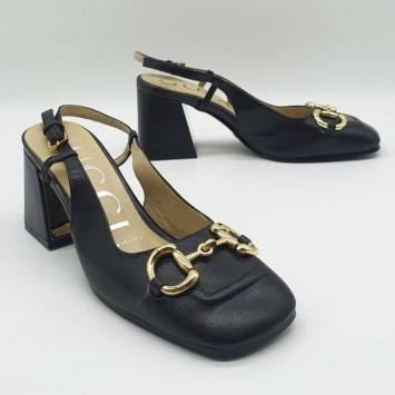 Туфли-лодочки GUCCI  Horsebit черные